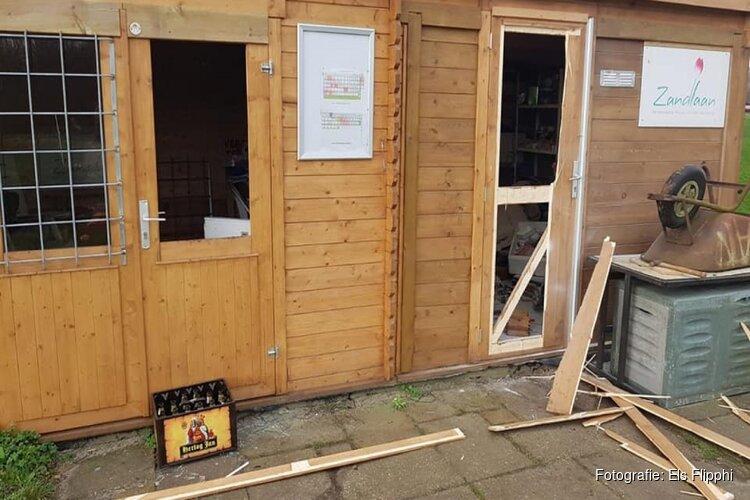 Ravage door vandalen bij tientallen huisjes tuinderscomplex Bennebroek
