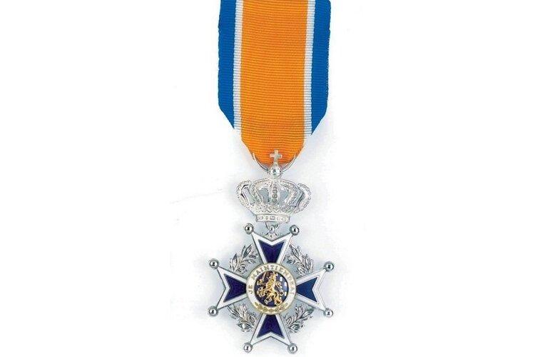 Brandweermannen ontvangen Koninklijke Onderscheiding