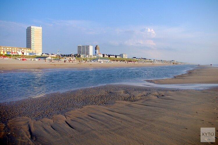 """Burgemeesters Zandvoort en Bloemendaal: """"Kom niet naar het strand!"""""""