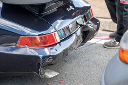 Porsche afgesleept na kop-staart aanrijding Zeeweg
